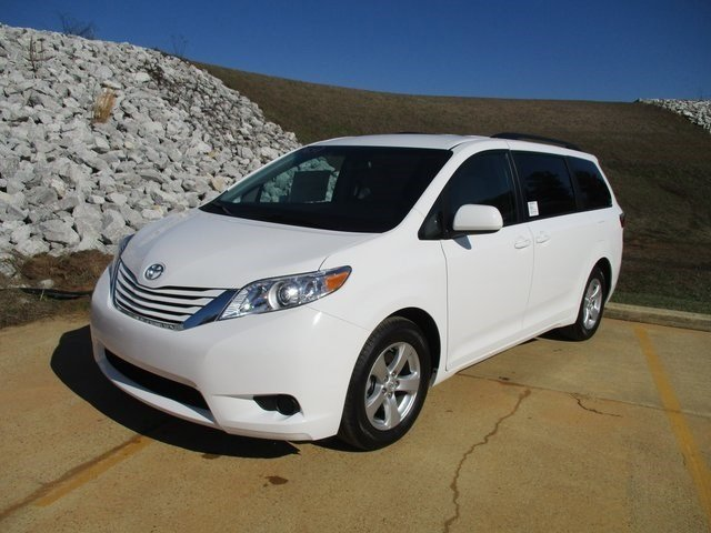 New 2017 Toyota Sienna in Meridian, MS