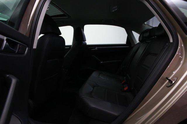 2016 Volkswagen Passat for sale 122793 19