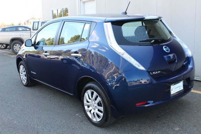 Used 2017 Nissan LEAF S Hatchback w-Quick Charge