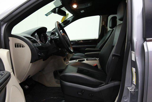 2018 Dodge Grand Caravan for sale 122695 12