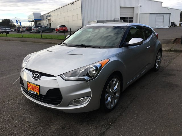 Used 2013 Hyundai Veloster 3dr Cpe Auto w-Black Int