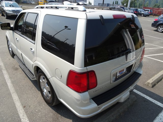 Used 2005 LINCOLN Navigator 4dr 4WD Ultimate