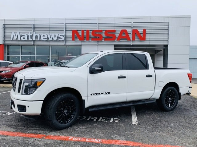 New 2019 Nissan Titan in Paris, TX