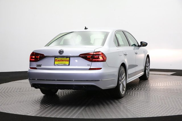2017 Volkswagen Passat for sale 123056 4