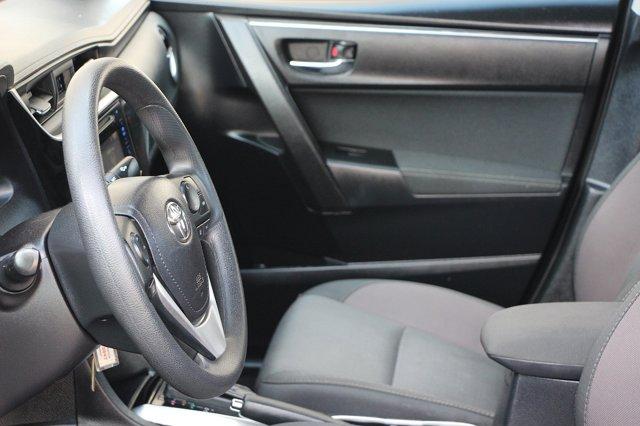 2018 Toyota Corolla LE 13
