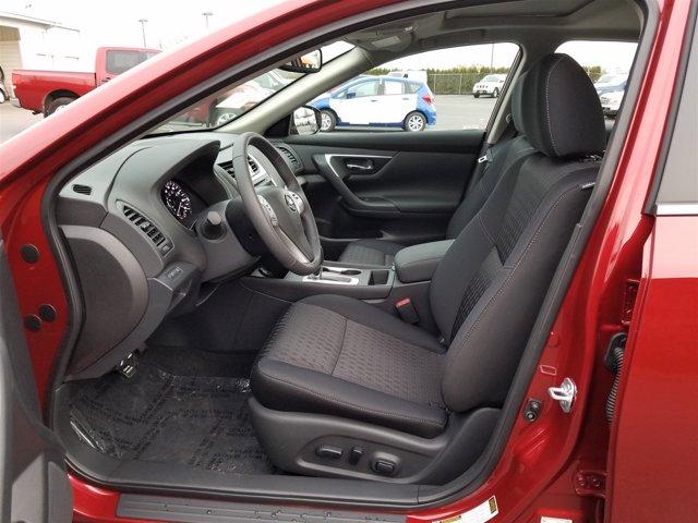 New 2017 Nissan Altima 2.5 SV Sedan