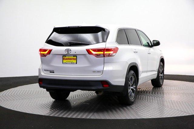 2017 Toyota Highlander for sale 124043 4