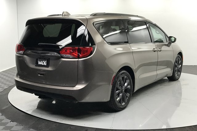 Used 2018 Chrysler Pacifica Touring L Plus