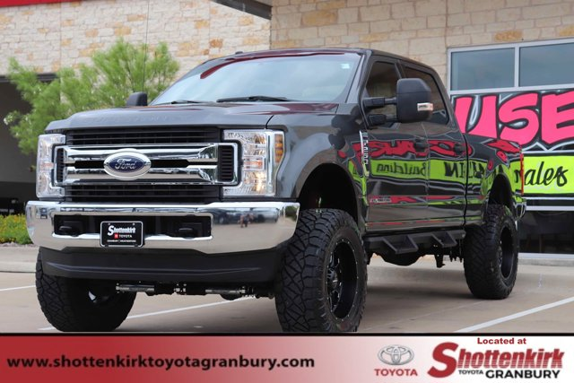 Used 2018 Ford Super Duty F-250 SRW in Granbury, TX