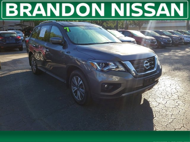 Used 2017 Nissan Pathfinder in Tampa, FL