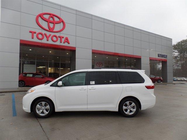 New 2017 Toyota Sienna in Natchez, MS