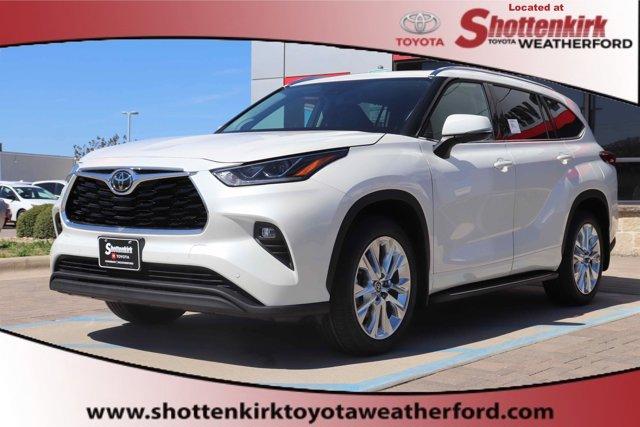New 2020 Toyota Highlander in Granbury, TX