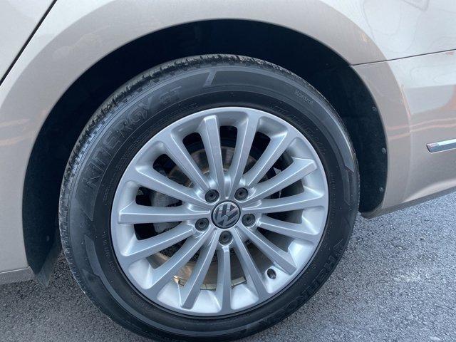 Used 2016 Volkswagen Passat 4dr Sdn 1.8T Auto SE PZEV