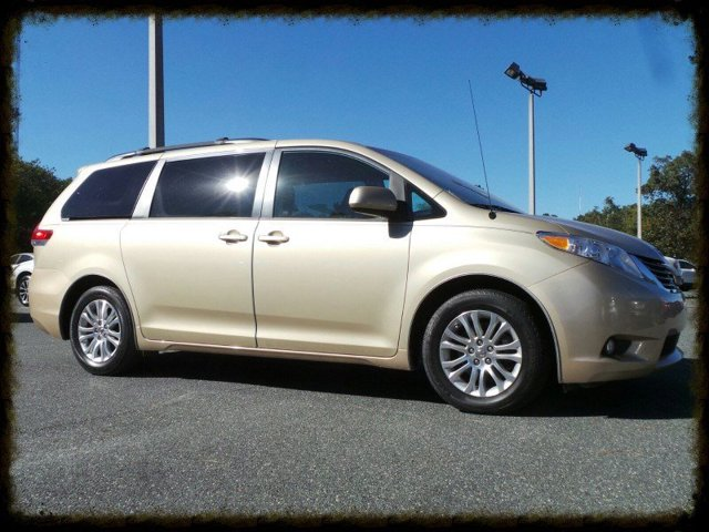 Used 2014 Toyota Sienna in Chiefland, FL