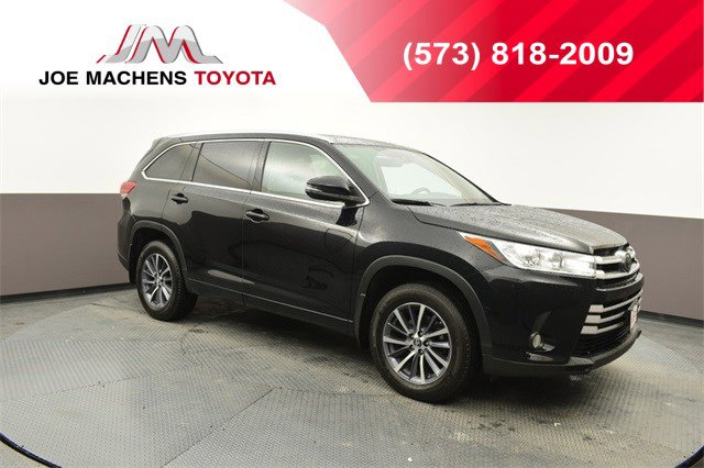 Used 2017 Toyota Highlander in Columbia, MO
