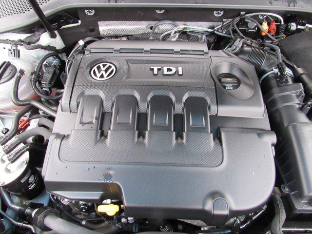 Used 2015 Volkswagen Golf 4dr HB DSG TDI SE