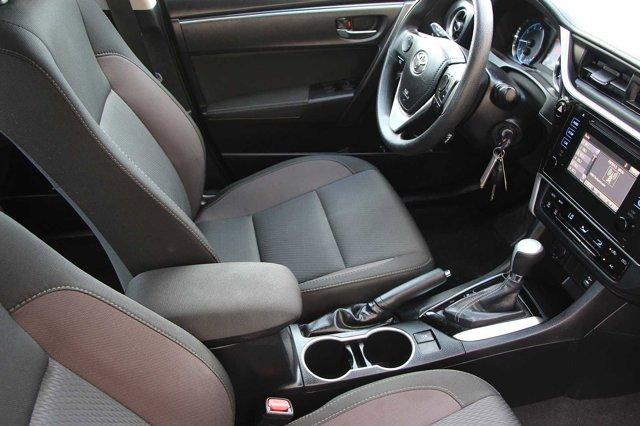 2018 Toyota Corolla LE 17