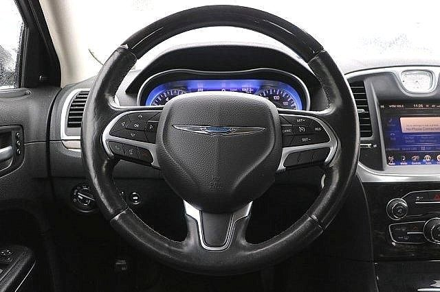 2016 Chrysler 300 300C 14