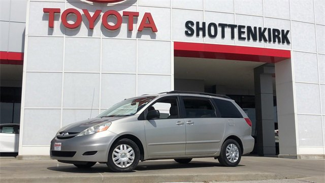 Used 2009 Toyota Sienna in Quincy, IL