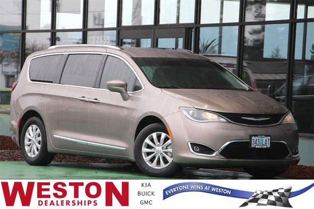 Used 2018 Chrysler Pacifica in Gresham, OR