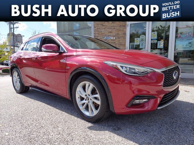 2017 INFINITI QX30 Premium Premium FWD Intercooled Turbo Premium Unleaded I-4 2.0 L/121 [1]