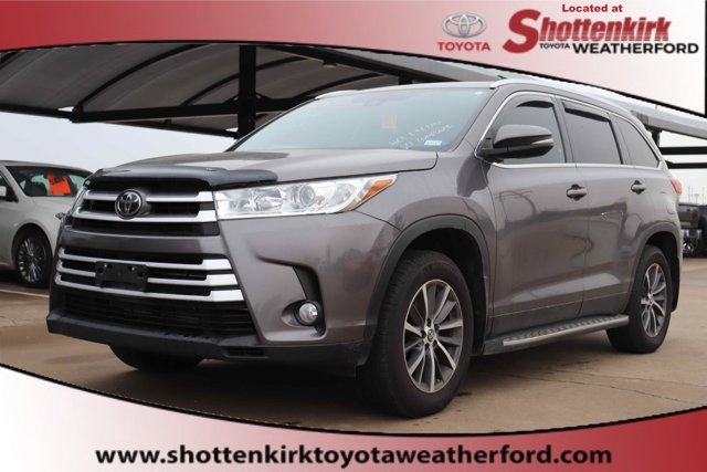 Used 2019 Toyota Highlander in Granbury, TX