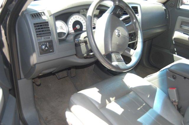 Used 2005 Dodge Dakota 2dr Club Cab 131 WB Laramie