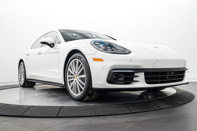 The 2018 Porsche Panamera S photos