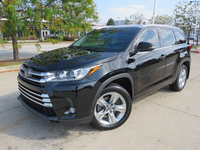 Used 2018 Toyota Highlander in Akron, OH