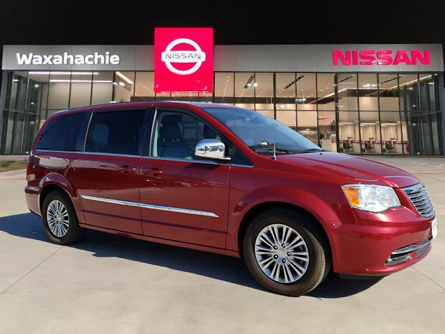 Used 2015 Chrysler Town & Country in Waxahachie, TX