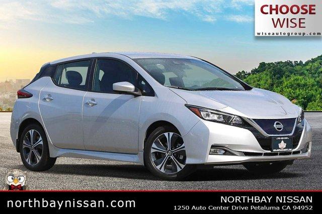 2021 Nissan LEAF SV SV Hatchback Electric [3]