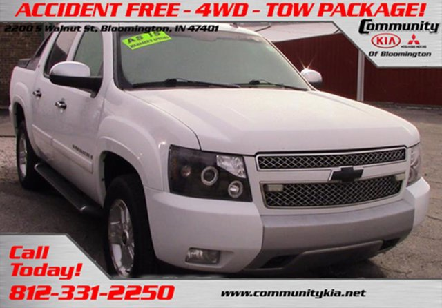 Used 2008 Chevrolet Avalanche in Bloomington, IN