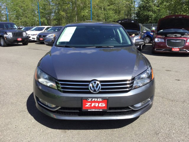 Used 2015 Volkswagen Passat 4dr Sdn 1.8T Auto SE w-Sunroof and Nav PZEV