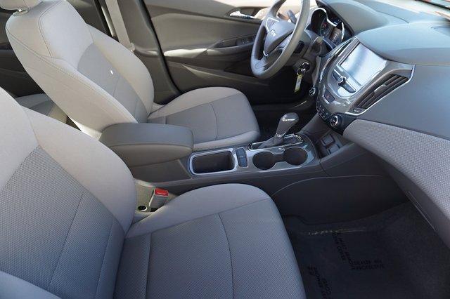 Used 2017 Chevrolet Cruze 4dr Sdn 1.4L LT w-1SD