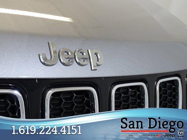 Used 2019 Jeep Compass Latitude w-Sun-Wheel Pkg FWD