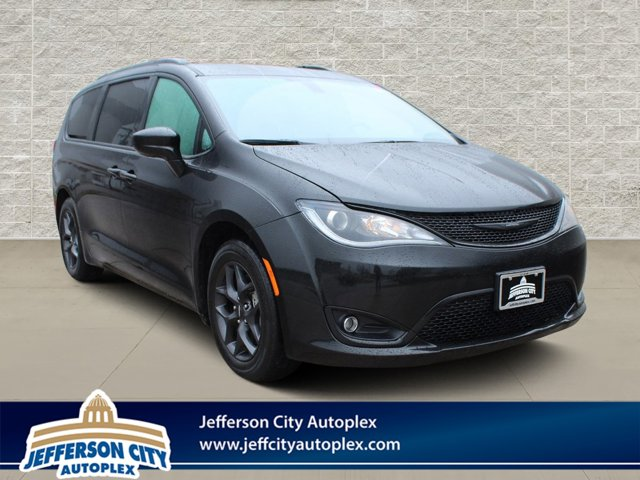 Used 2018 Chrysler Pacifica in Jefferson City, MO