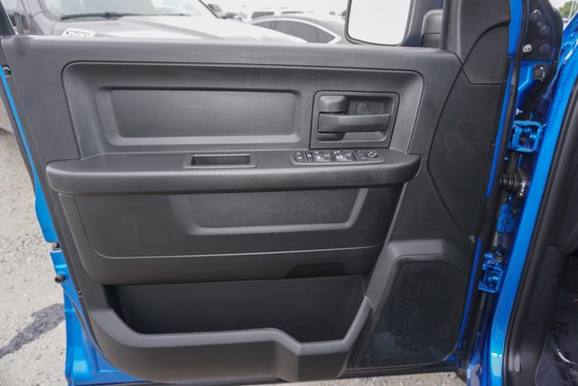 New 2019 Ram 1500 Classic Express 4x4 Quad Cab 6'4 Box