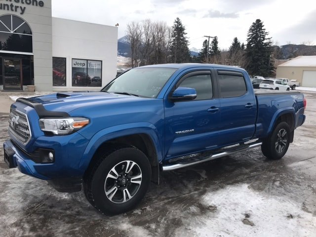 2017 Toyota Tacoma Pickup photo