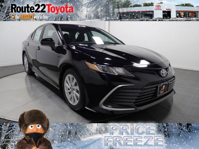2021 Toyota Camry LE LE Auto Regular Unleaded I-4 2.5 L/152 [22]