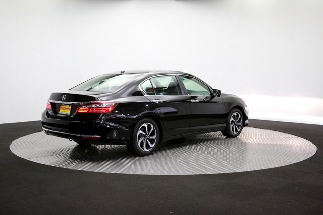 2017 Honda Accord 123921 38