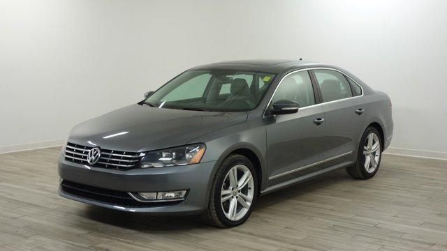 Used 2013 Volkswagen Passat in Florissant, MO