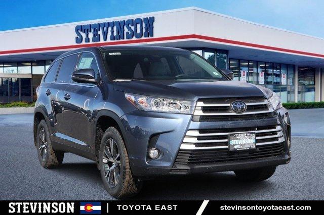 New 2019 Toyota Highlander in Aurora, CO