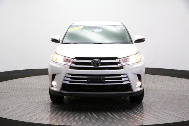 2017 Toyota Highlander for sale 124043 1