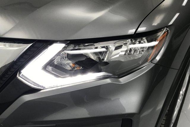 Used 2017 Nissan Rogue SV
