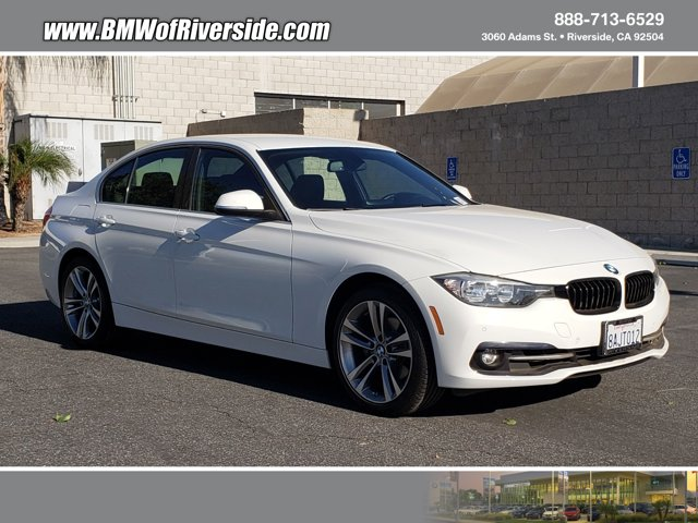 2017 BMW 3 Series 330i 330i Sedan South Africa Intercooled Turbo Premium Unleaded I-4 2.0 L/122 [6]