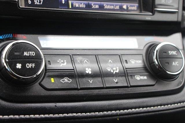 2018 Toyota RAV4 XLE 19