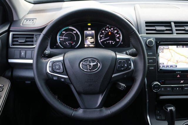 2017 Toyota Camry Hybrid LE photo