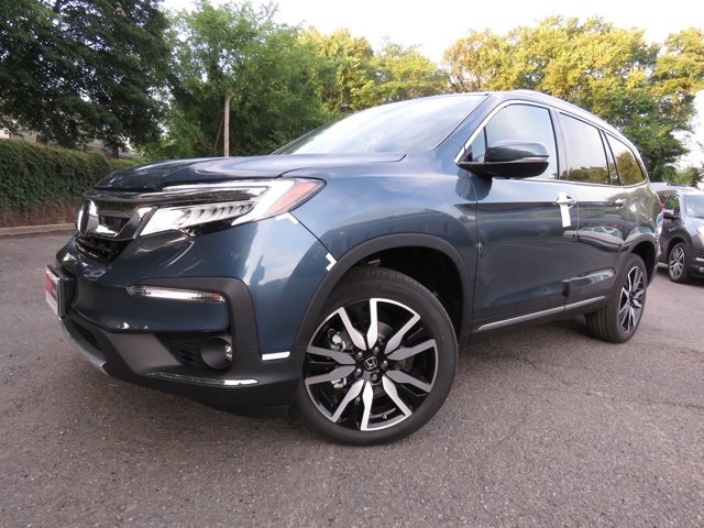 New 2020 Honda Pilot in Paramus, NJ
