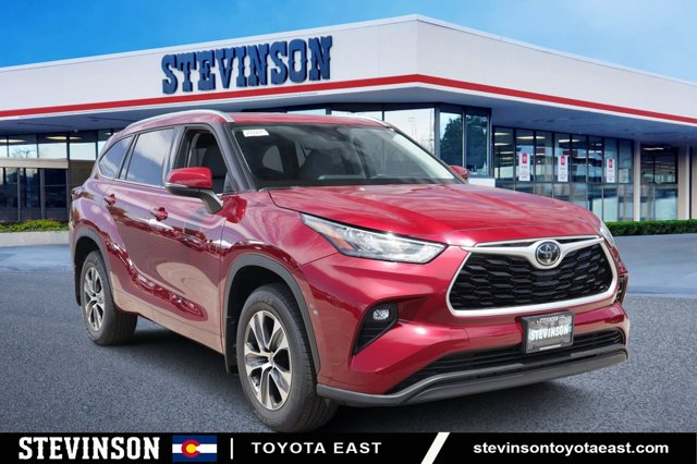 New 2020 Toyota Highlander in Aurora, CO