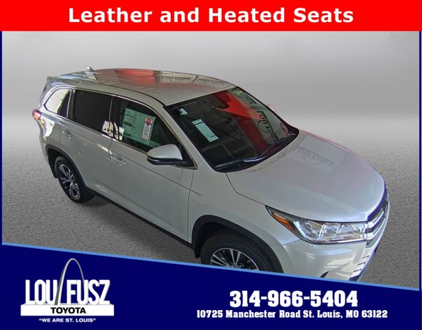New 2019 Toyota Highlander in St. Louis, MO
